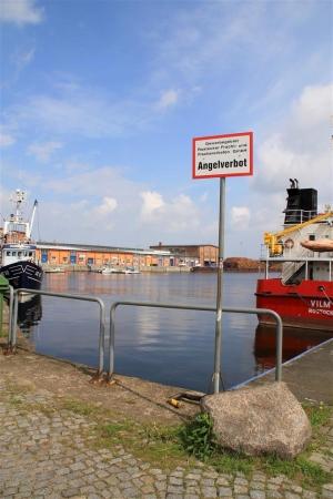 Das traurige Resultat von angelnden Umweltsündern: Angelverbot in Teilen des alten Fischereihafens