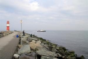 Heringsangeln in Rostock-Warnemünde an der Ostmole